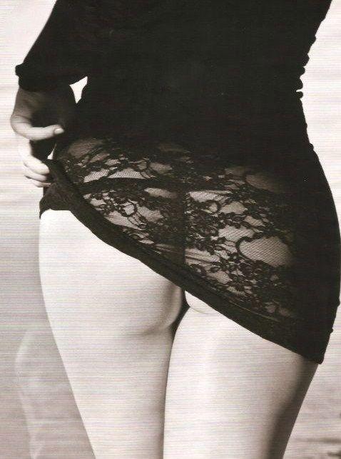 Cleo Pires pelada mostrando a xota na Playboy