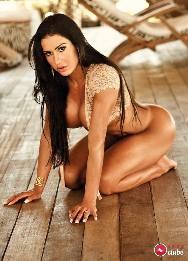 Gracyanne Barbosa nua na revista Sexy