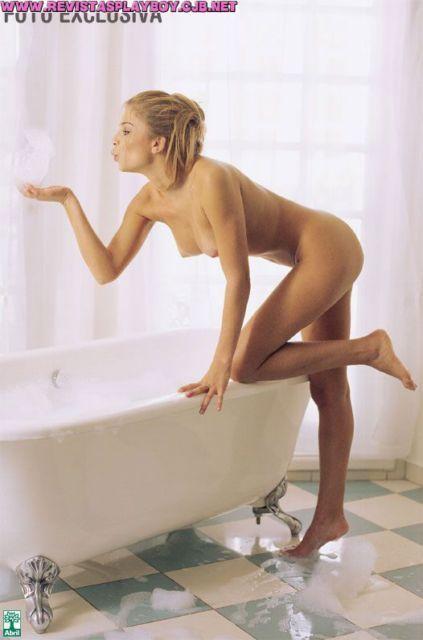 Grazi Massafera pelada na revista Playboy
