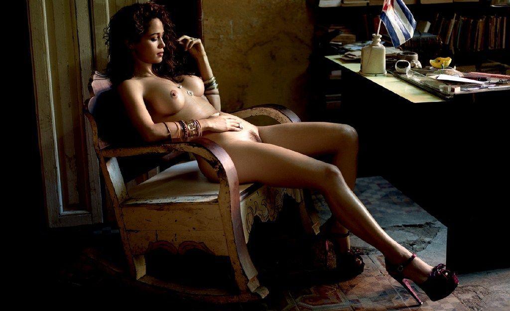 Nanda Costa nua na Playboy