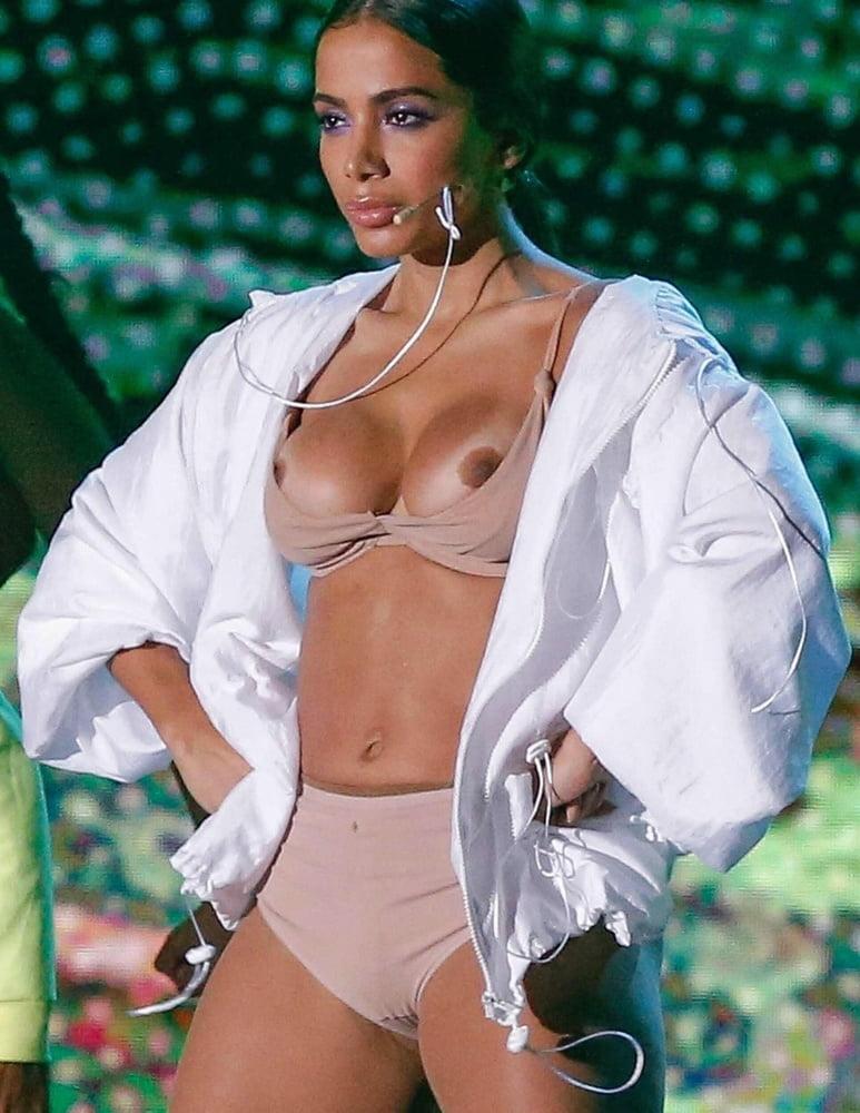 Nudes de Anitta